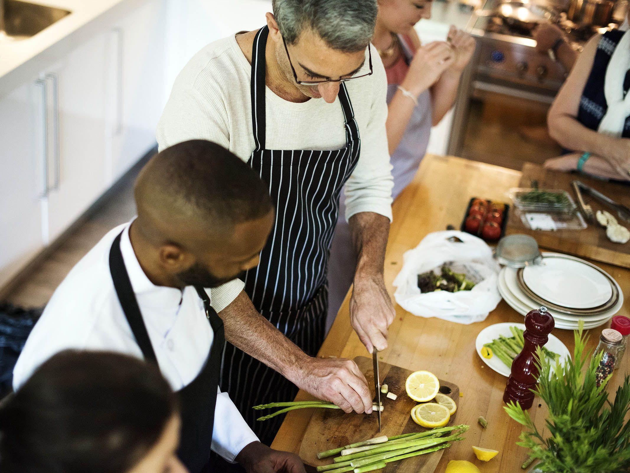 Cours de cuisine pour les entreprises les papilles de for Offrir cours de cuisine